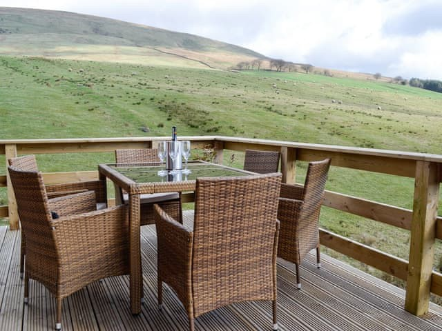 Woodburn Holiday lodges - image of outside seating area