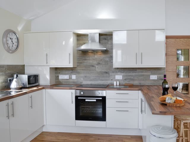 Woodburn Holiday Lodges - image of kitchen